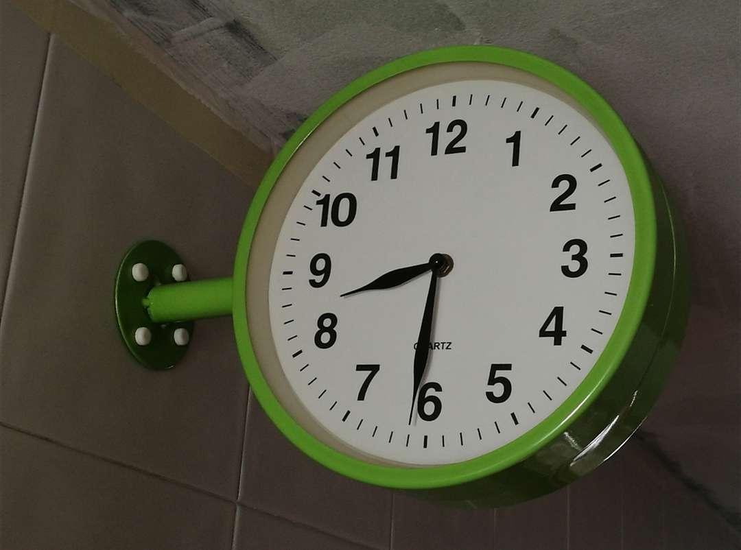 Imagen Reloj decorativo para colgar cocina