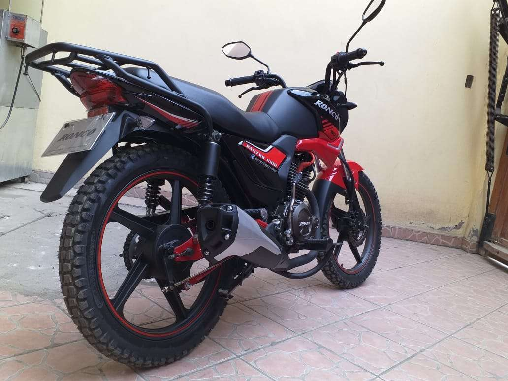 Imagen producto Se vende moto marca Ronco modelo pantro año 2019 8