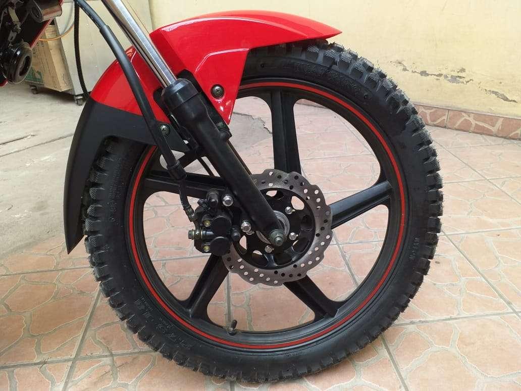 Imagen producto Se vende moto marca Ronco modelo pantro año 2019 7