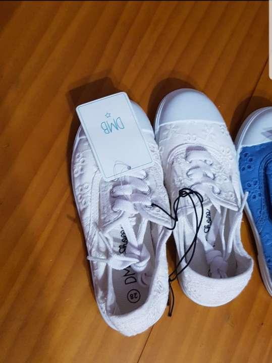 Imagen Lote zapatillas niña talla 28