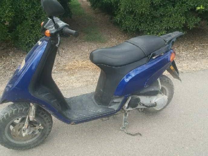 Imagen se vende moto tifon