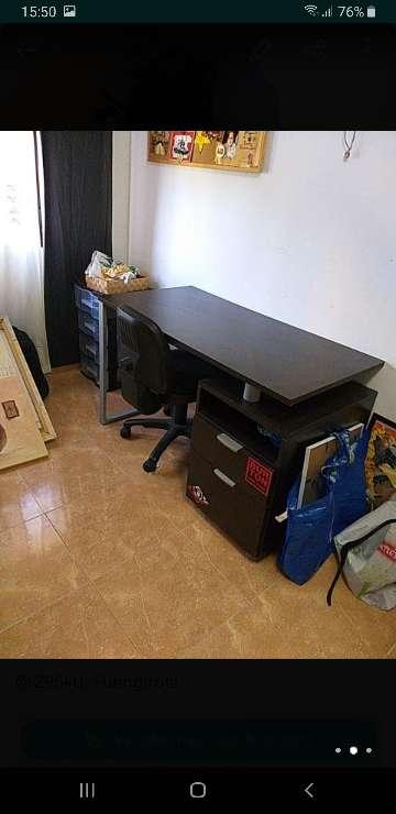 Imagen escritorio con silla
