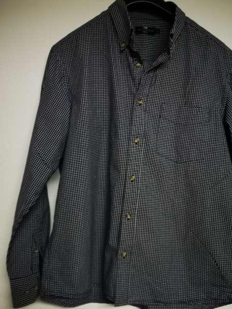 Imagen producto Vendo camisas originales poco uso  9