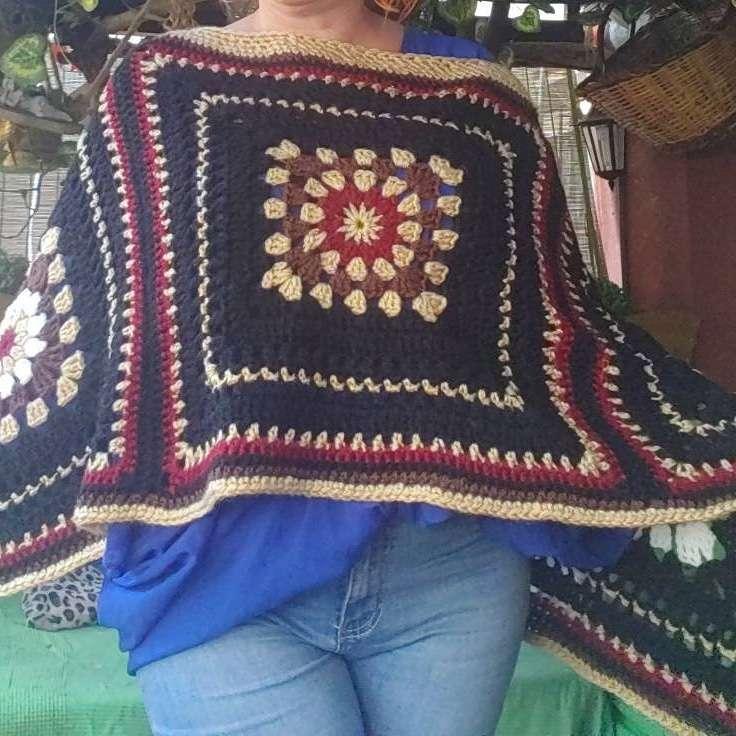Imagen poncho de crochet
