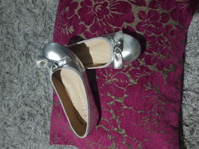 Imagen producto Zapatos nuevos niña n 33 4