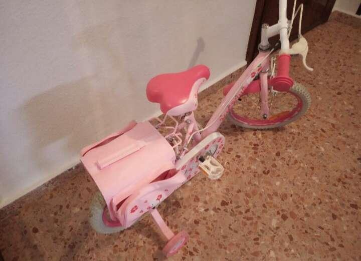 Imagen bicicleta de. niña