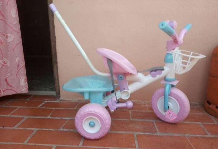 Imagen triciclo niña