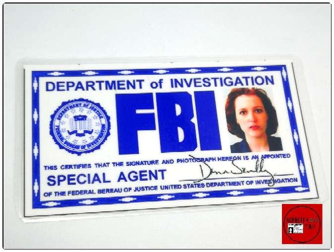 Imagen Acreditación de Dana Scully de Expediente X.