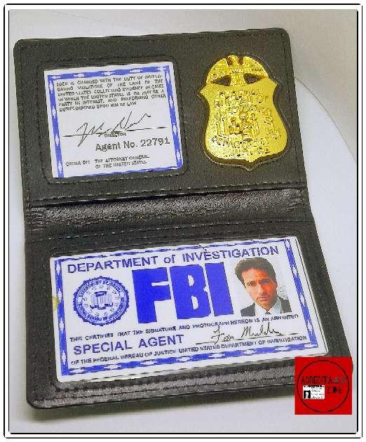Imagen producto Acreditación de Fox Mulder 4