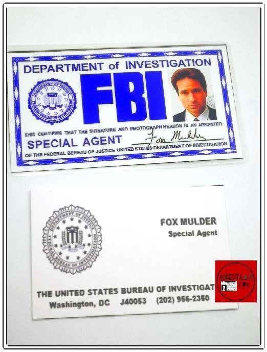 Imagen Acreditación del FBI y Tarjeta de Visita de Fox Mulder