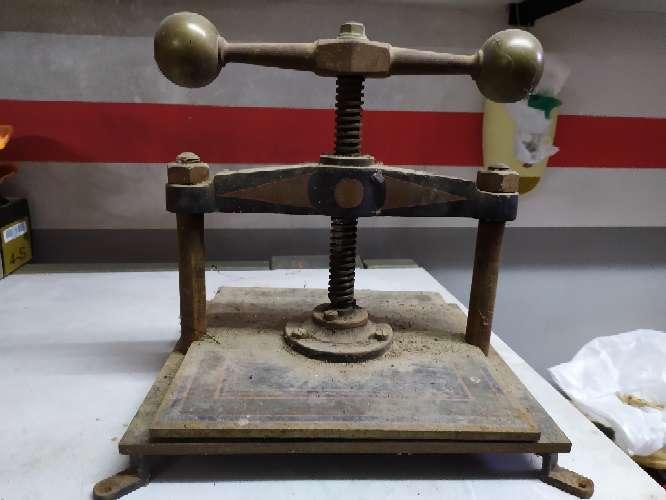 Imagen producto Prensa antigua 4