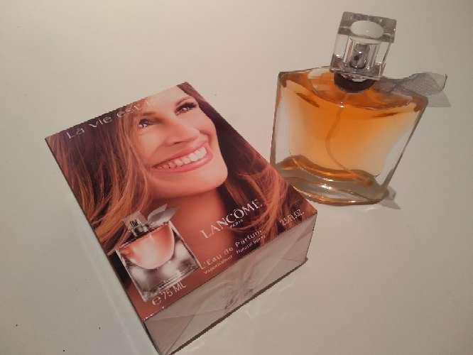 Imagen perfume mujer bella