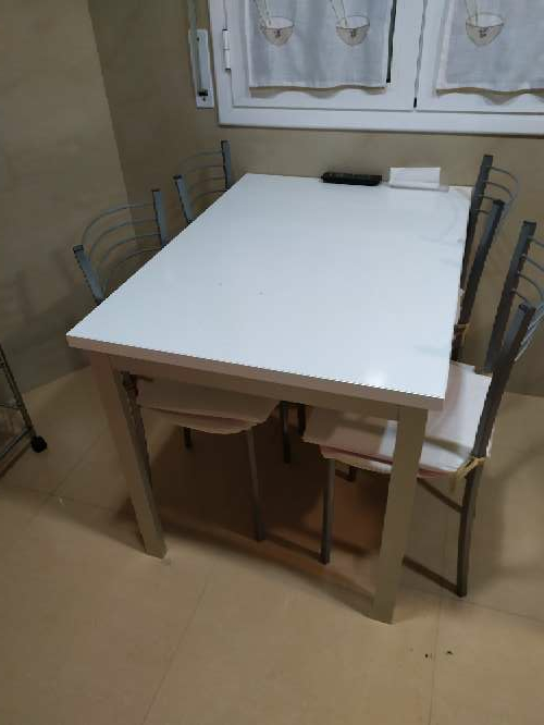 Imagen Mesa cocina + 4 sillas