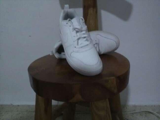 Imagen Nike Borough Blanco-Blanco