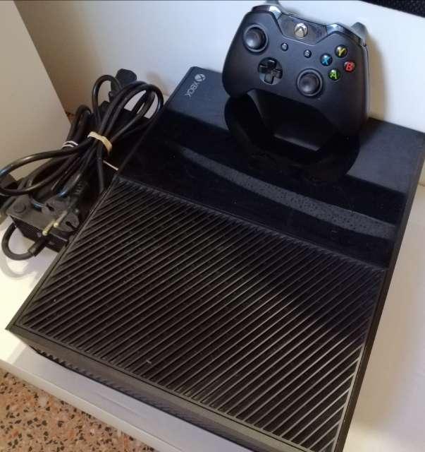 Imagen Xbox one + mando