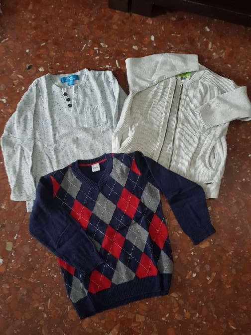 Imagen Lote tres jerséis niño talla 4
