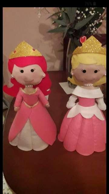 Imagen muñecas de algodon y fieltro