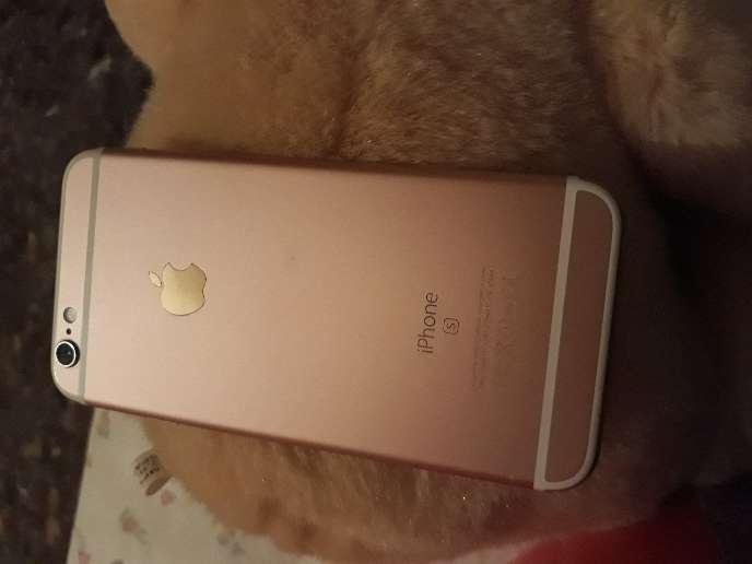 Imagen un apple 6S oro rosa