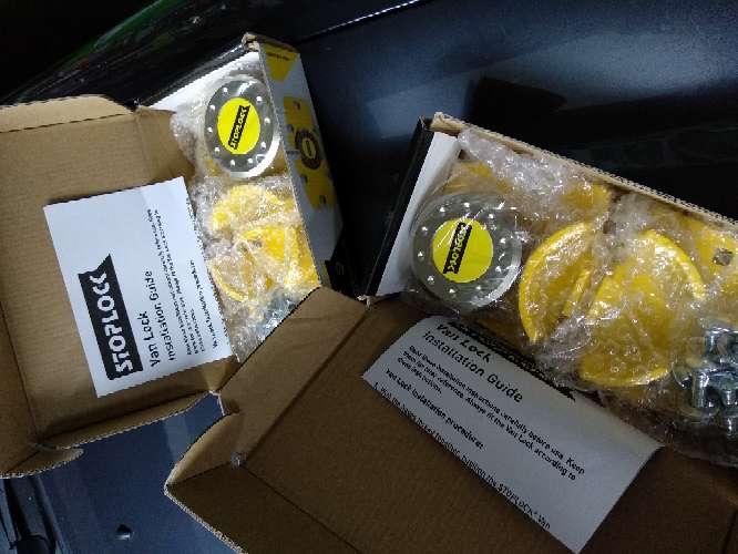 Imagen producto Vendo Cerraduras Seguridad para Furgón y/o AC 3