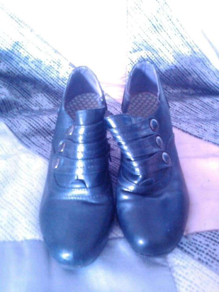 Imagen producto Zapatos 37 2