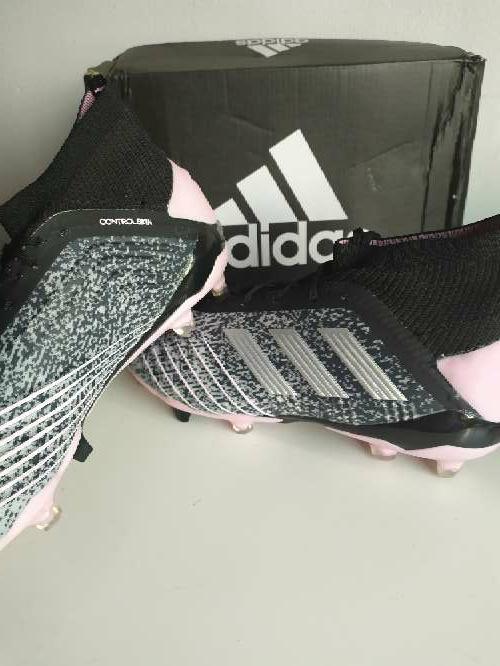 Imagen producto Botas de fútbol. 3