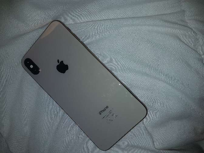 Imagen producto Iphone XS Max 64gb gold  2