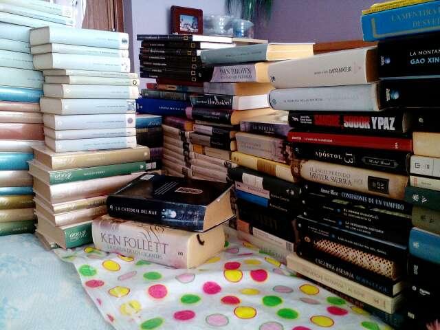 Imagen libros seminuevos y algunos son muy buenos