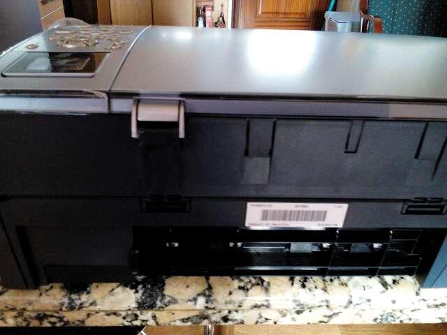 Imagen producto Fotocopiadora con escáner seminueva vender por no usar  1