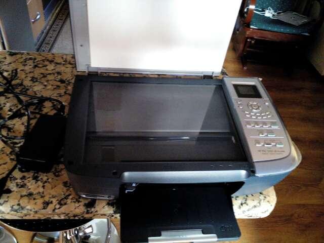 Imagen producto Fotocopiadora con escáner seminueva vender por no usar  3