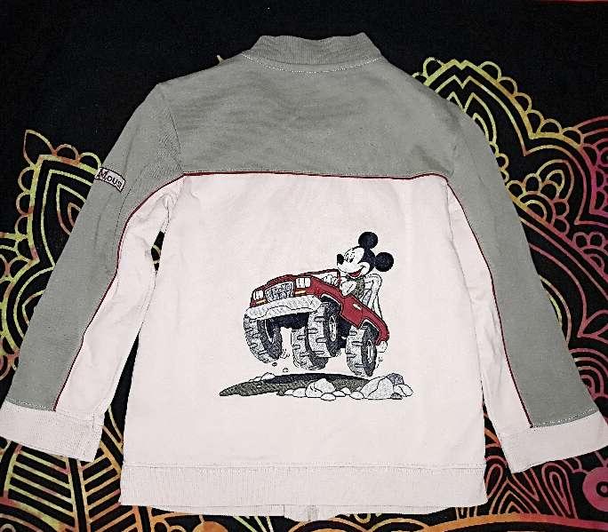 Imagen Chaqueta Disney H&M, 6 años.