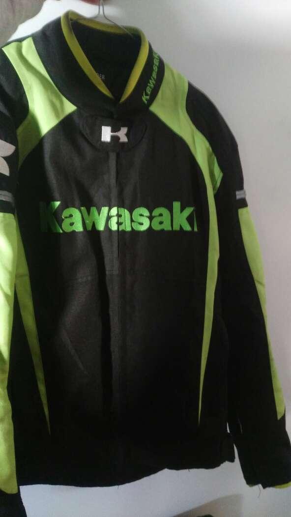 Imagen chaqueta moto kawasaki