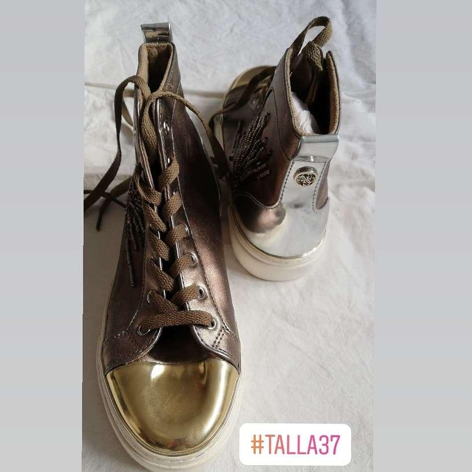 Imagen producto Zapatillas mujer guess 2