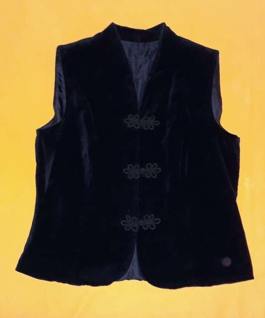 Imagen producto Chaleco traje, talla M-L.  1