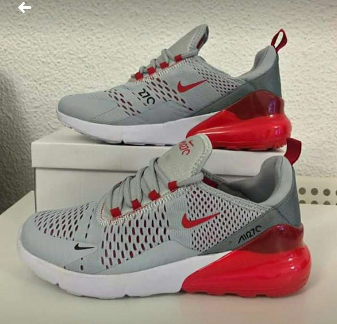 Imagen Zapatillas Nike 270 Unisex Varios Colores