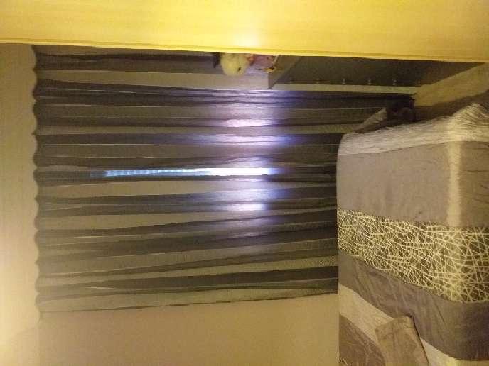 Imagen cortinas grises