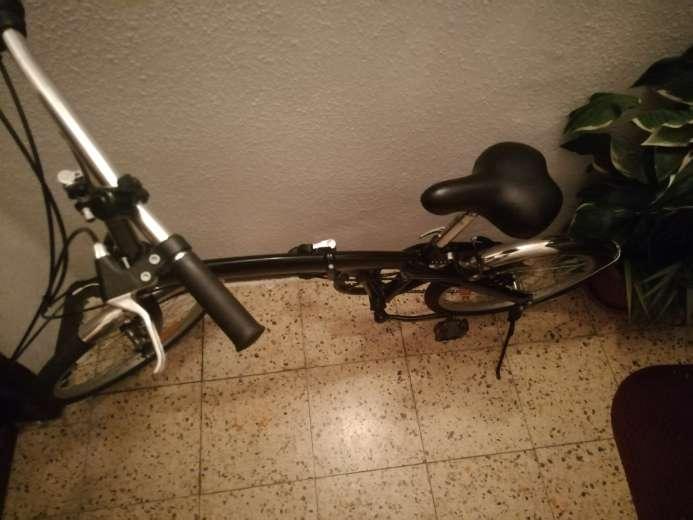 Imagen producto Bicicleta Plegable en perfecto estado  4