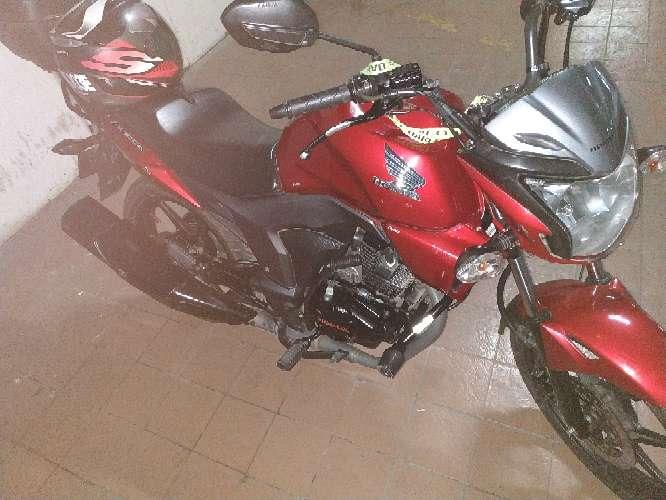 Imagen producto Vendo moto honda invicta  3