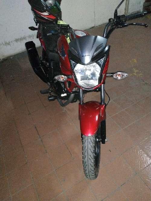 Imagen Vendo moto honda invicta