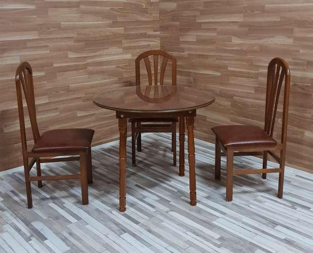 Imagen Mesa camilla y tres sillas
