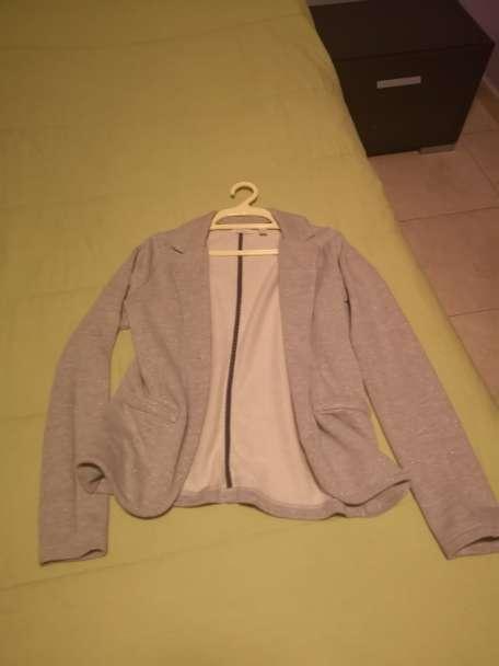 Imagen producto Chaquetas y vestido 10 € 6