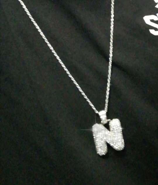 Imagen Collar estilo hip hop con la letra N