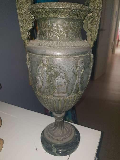 Imagen Dos jarrones de cobre