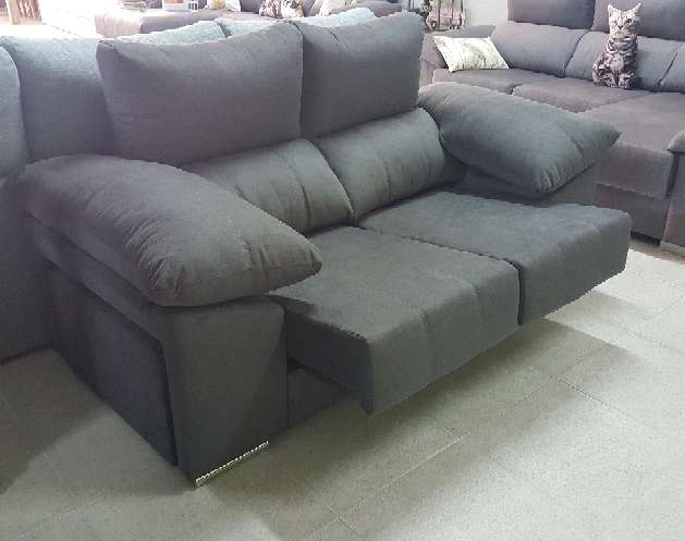 Imagen producto Sofa 2 plazas con pouff antimanchas marengo 5