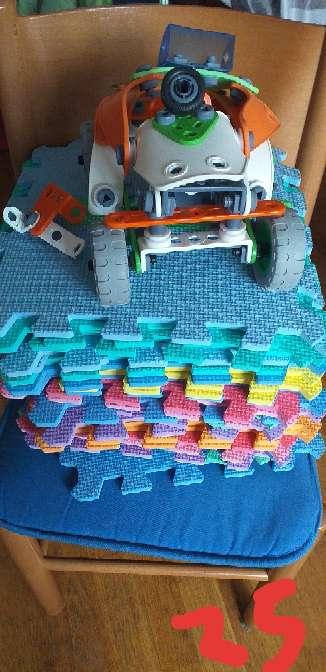 Imagen 25 puzzles y un coche