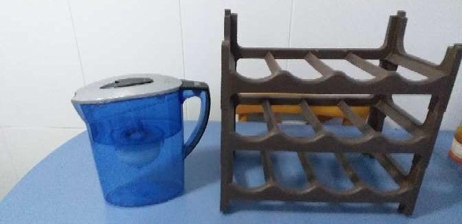 Imagen purificador de agua más botellero y cubo