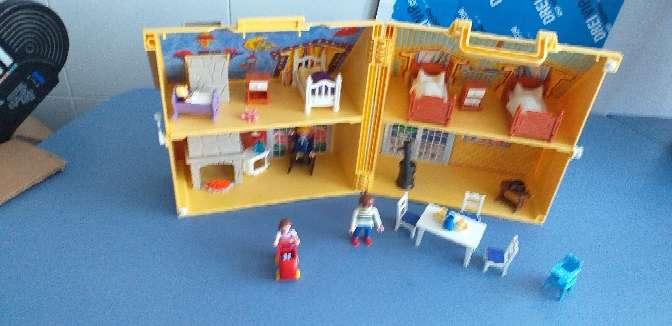 Imagen producto Casa de playmobil con sus accesorios  2