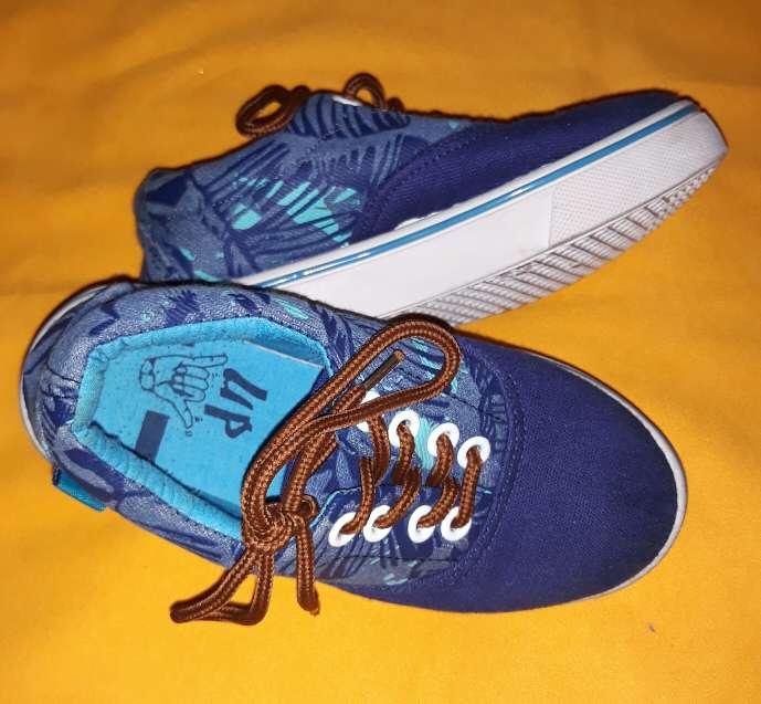 Imagen producto Zapatillas Úp, núm 28.  3