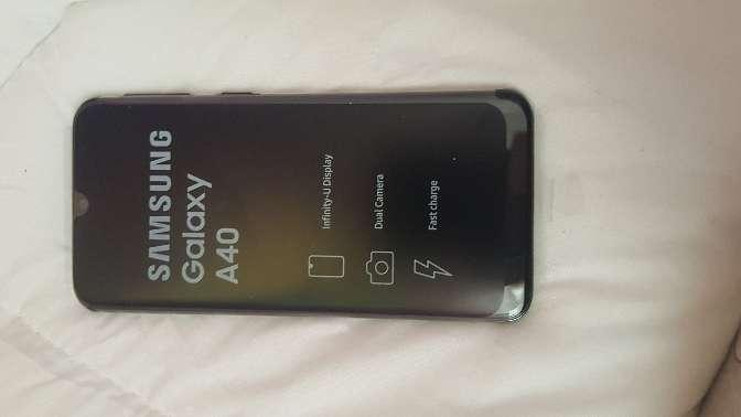 Imagen producto Samsung A40  2