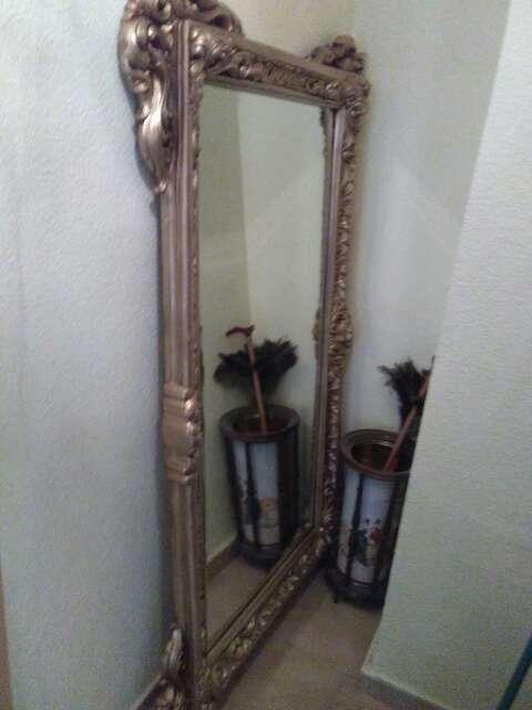 Imagen espejo de salón