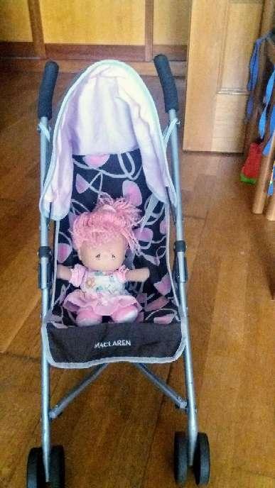 Imagen producto Silla Maclaren más muñeca rosa Baby 4